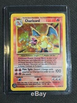 Base De Pokémon Charizard 1999 Carte Holographique Rare Et Illimitée 4/102 (neuf)