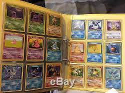 Les Cartes Pokémon Originales Full Set Dans Le Dossier Incluent Des Cartes Rares Rapides